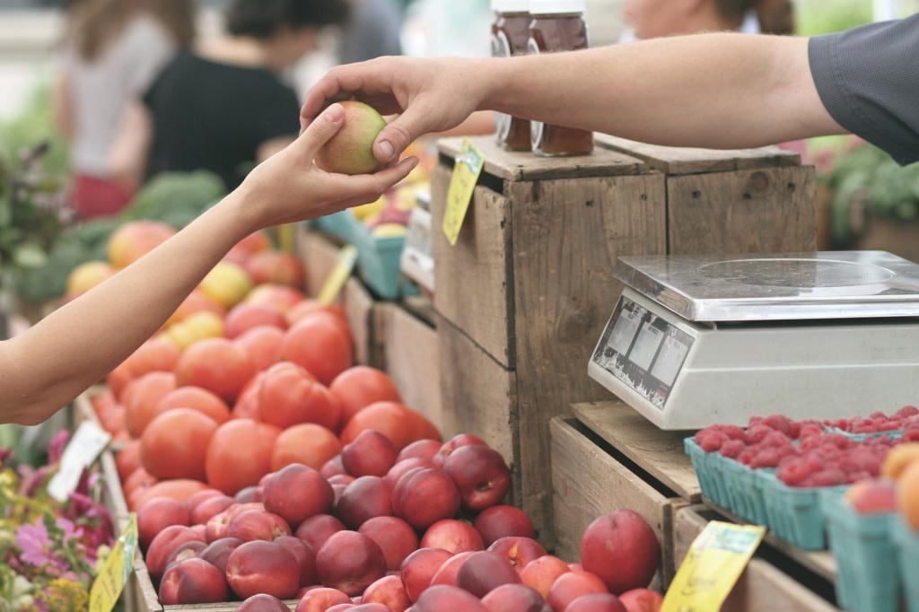 purchasing fruits