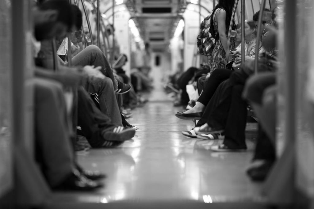 train full of people